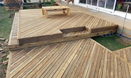 DIY Wooden Pallets Garden Deck Plan
