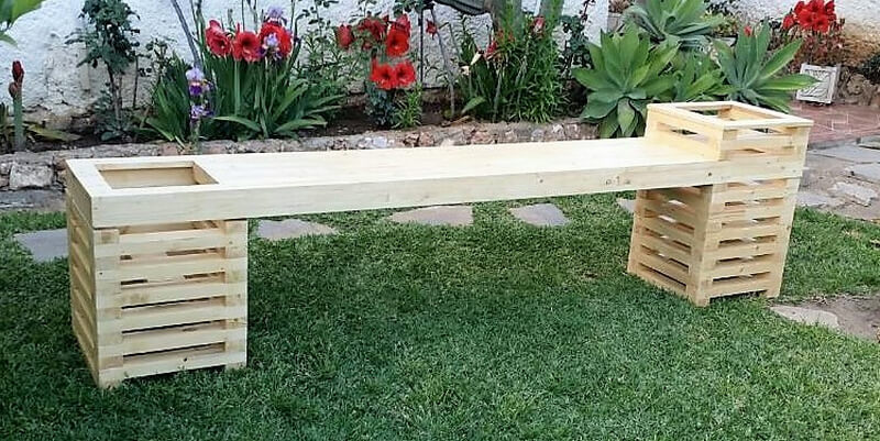 pallets garden bench with attached planter 1