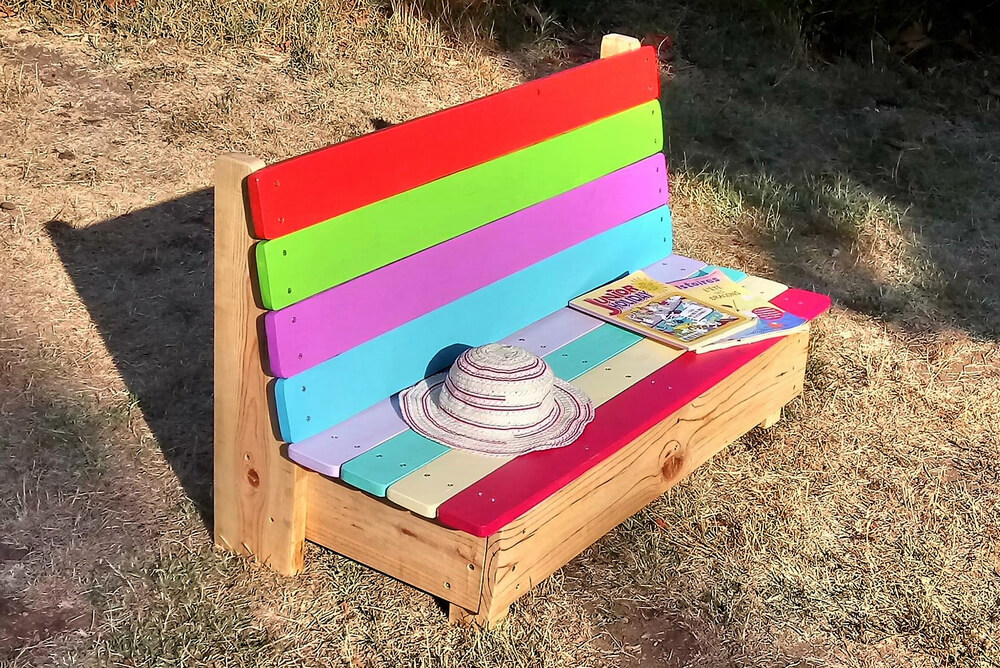 pallets made kids bench