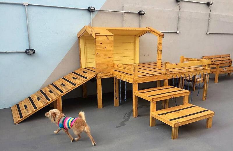 pallets made kids playhouse