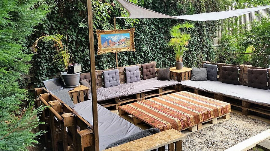 pallets made patio deck 2