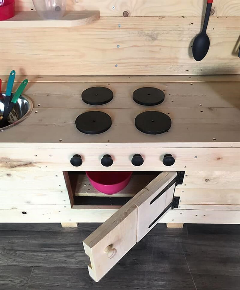 pallets mud kitchen idea