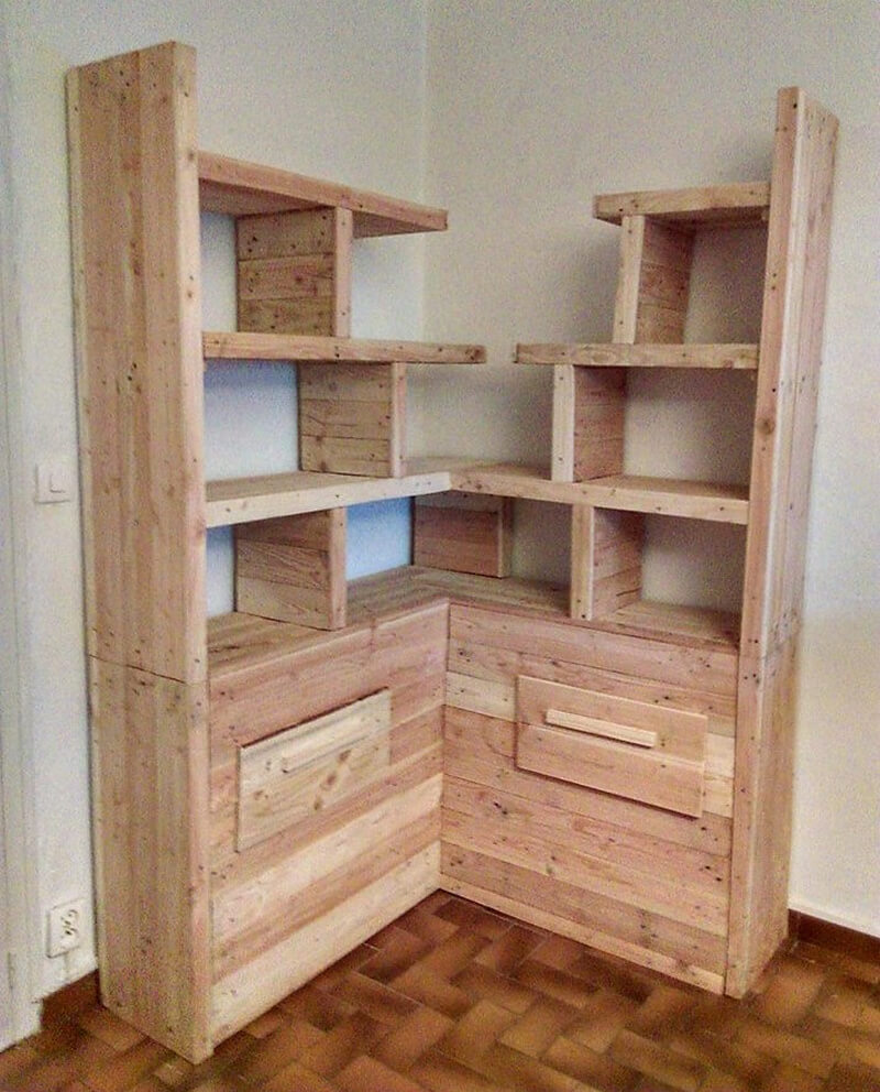 pallets wooden corner bookshelf