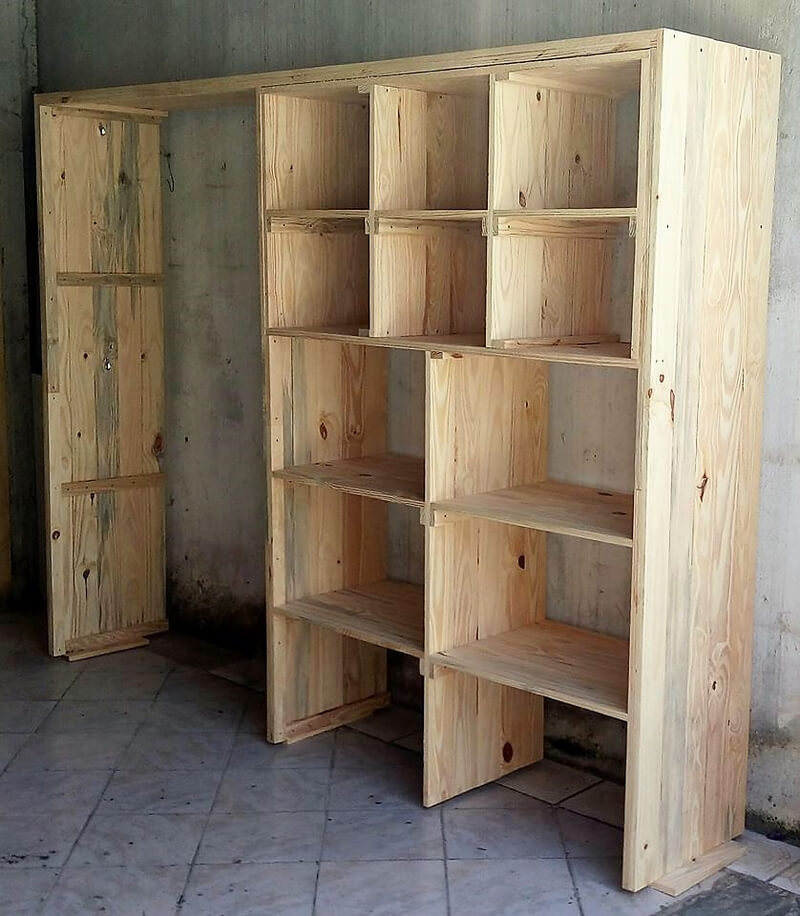 pallets wooden wardrobe idea
