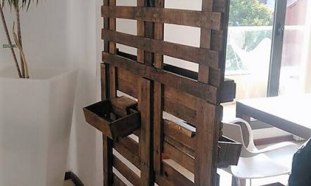 Repurposed Wood Pallets Made Room Divider Idea