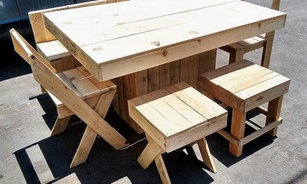 Recycled Wood Pallets Made Dining Set