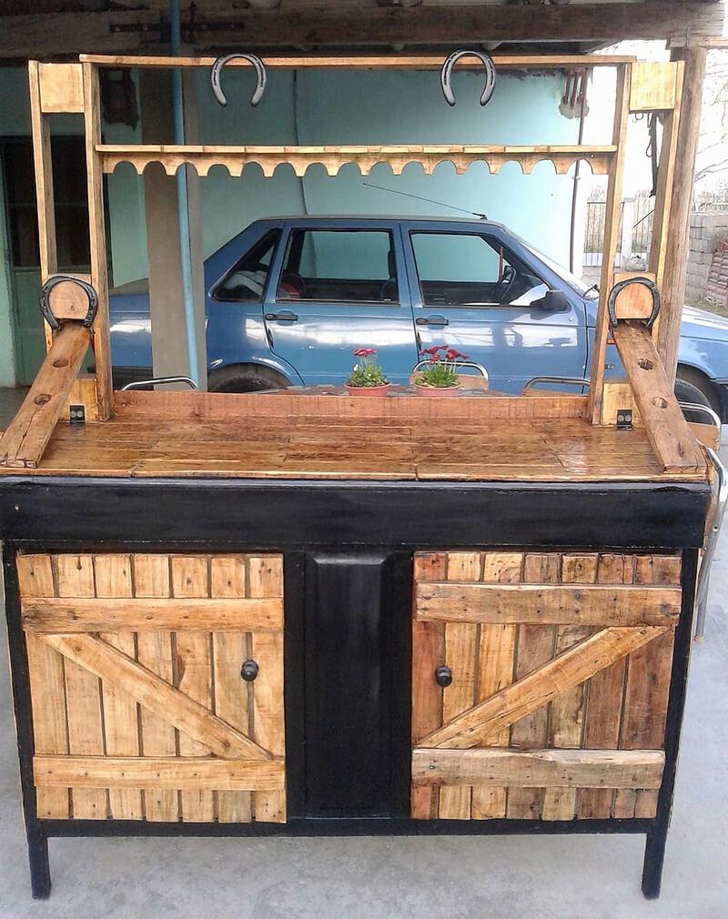 reused pallets wooden bar