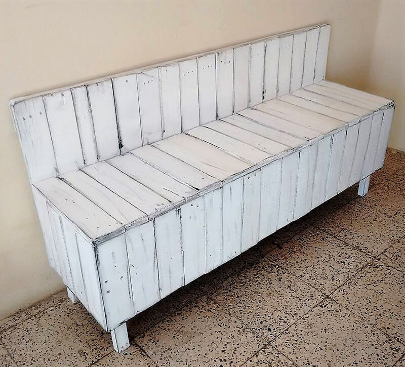 wooden pallets bench idea