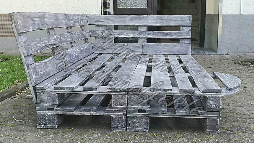 pallet wooden daybed