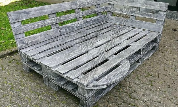 Repurposed Wood Pallets Made Patio Lounge
