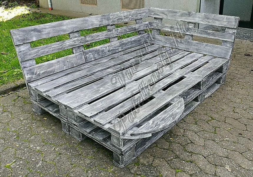 pallets daybed idea
