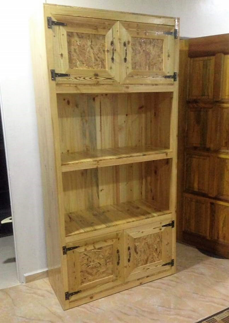 pallets recycled closet
