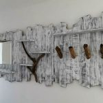 Wood Pallets Retro Look Mirror Plan with Shelves