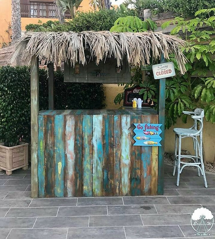 pallets wood retro bar