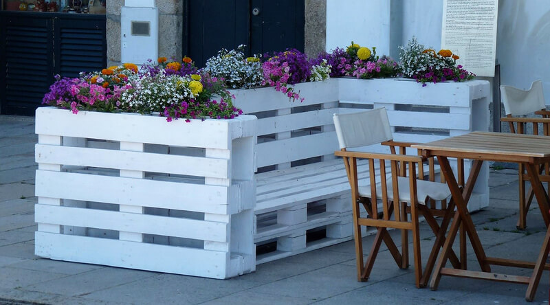 pallets wooden patio bench with planter
