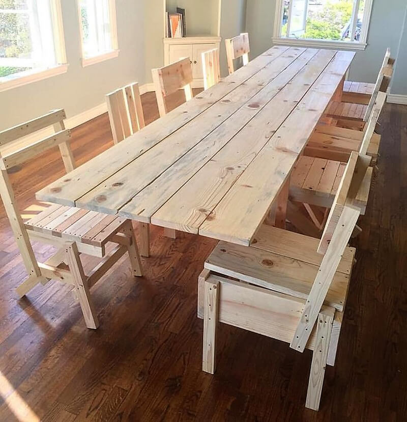 repurposed pallets dining table