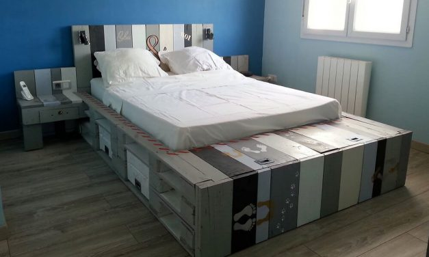 Awesome Bed Made With Reused Wood Pallets