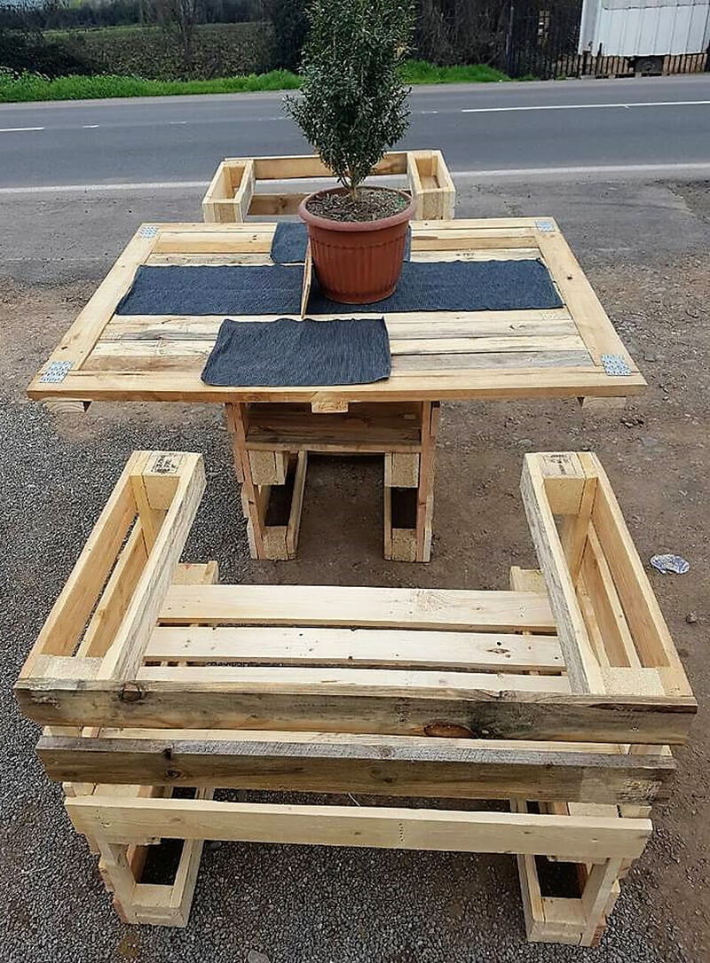 simple pallets made patio furniture