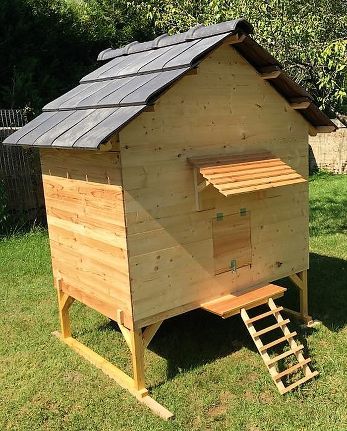 Wonderful Diy Recycled Chicken Coops: Recycled Wooden Pallets Made Chicken Coop