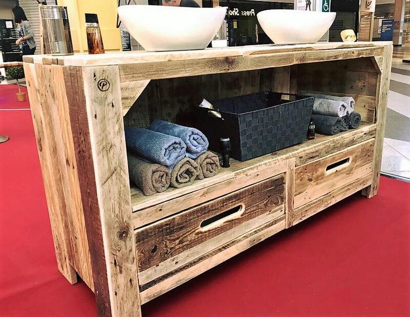 wood pallet sink table idea