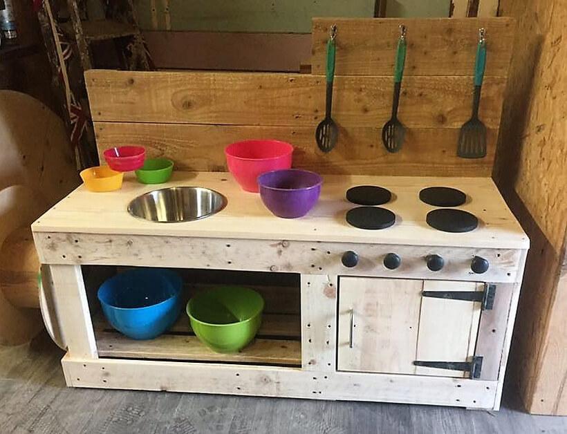 wood pallets kids mud kitchen