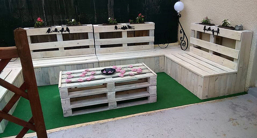 wood pallets patio couch set 1