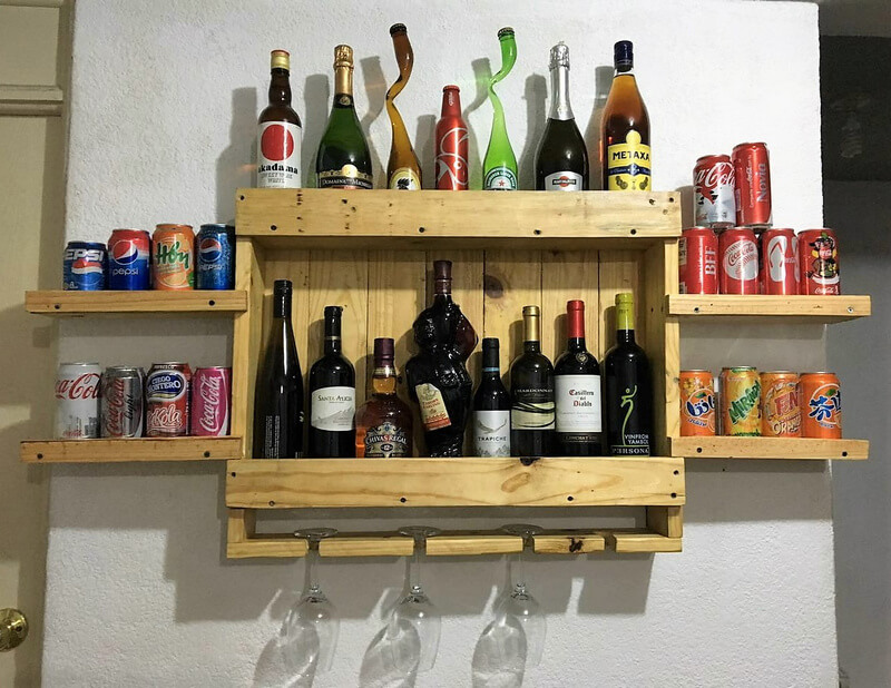 wood pallets wall bar