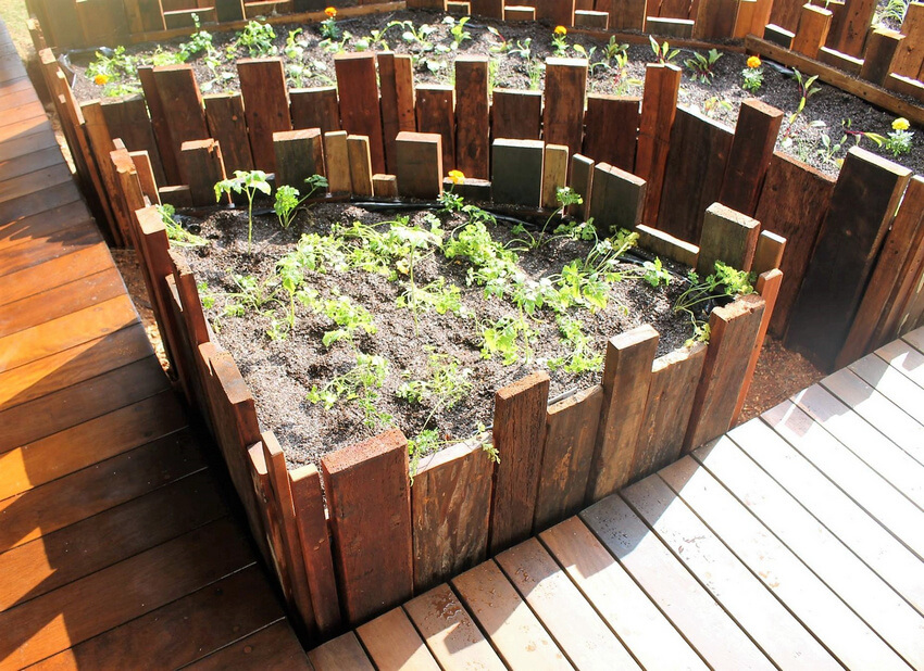 pallets made raised garden