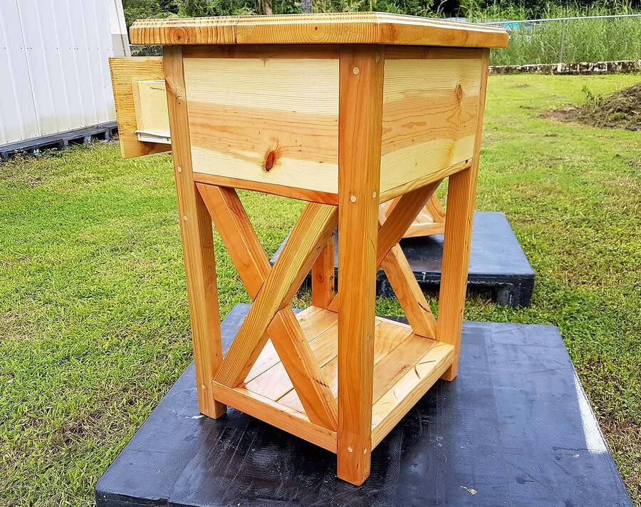 pallets made side tables