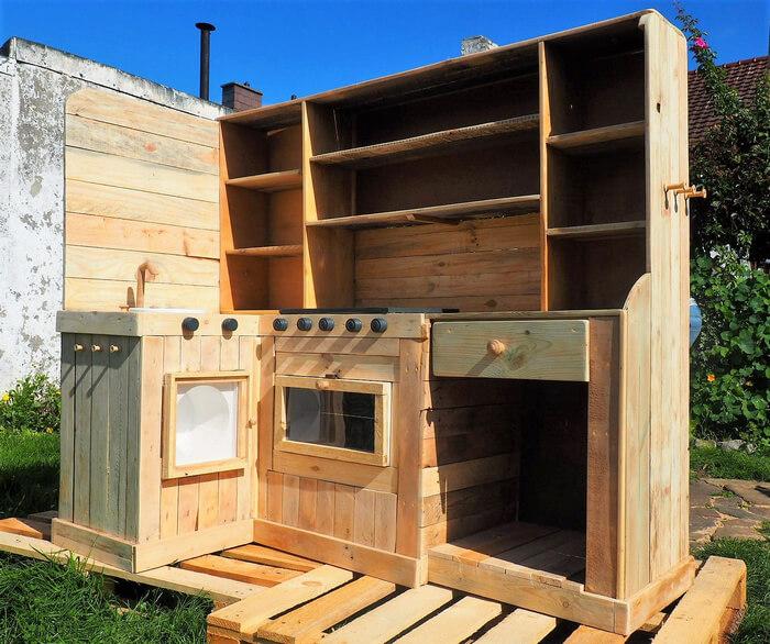 wood pallet mud kitchen