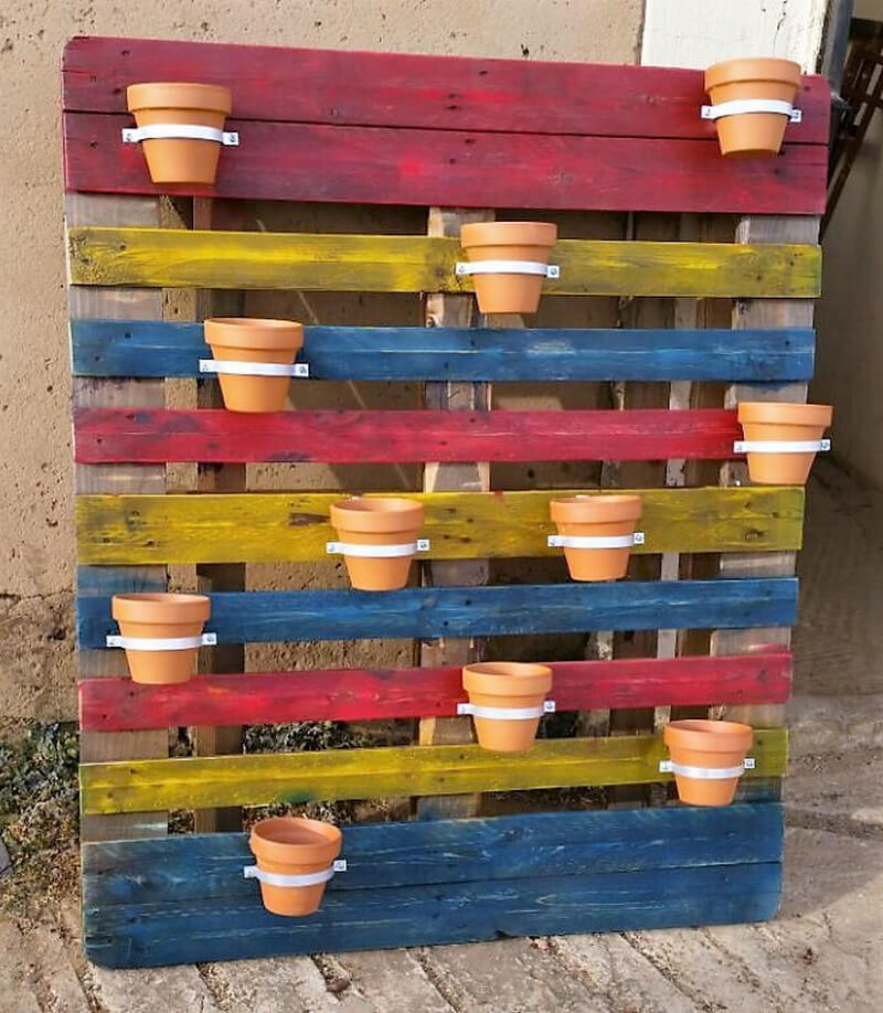 wooden pallets poting stand