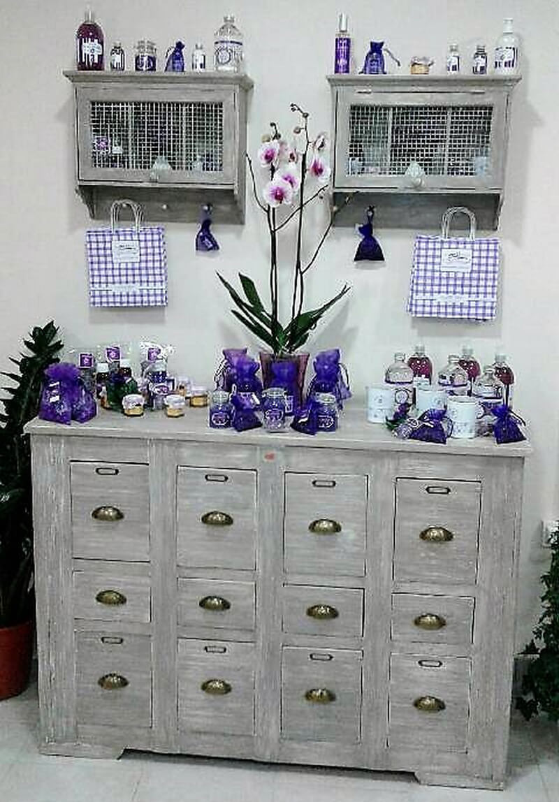 pallets entryway chest of drawers