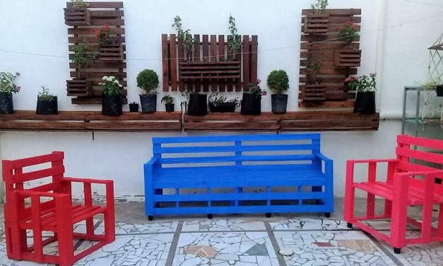 Incredible DIY Pallet Ideas and Projects
