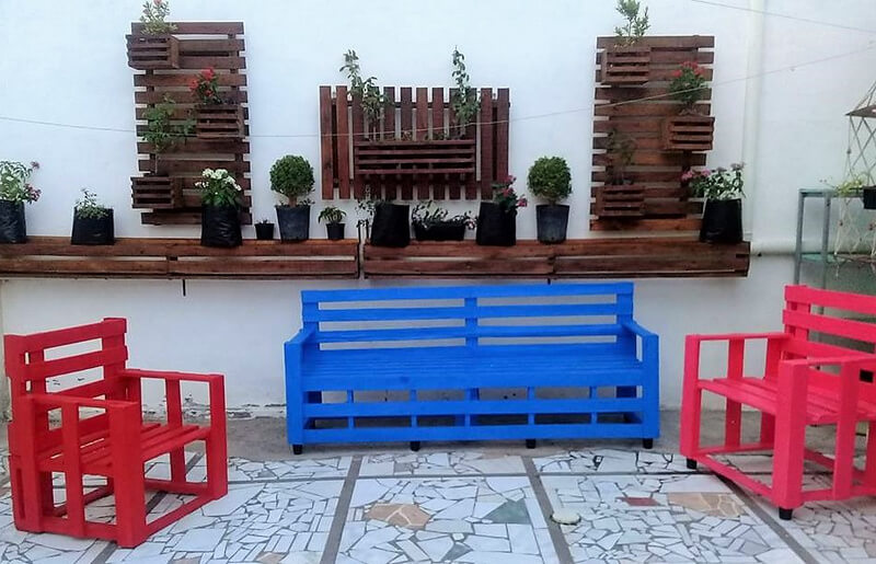 pallets furniture and wall planters