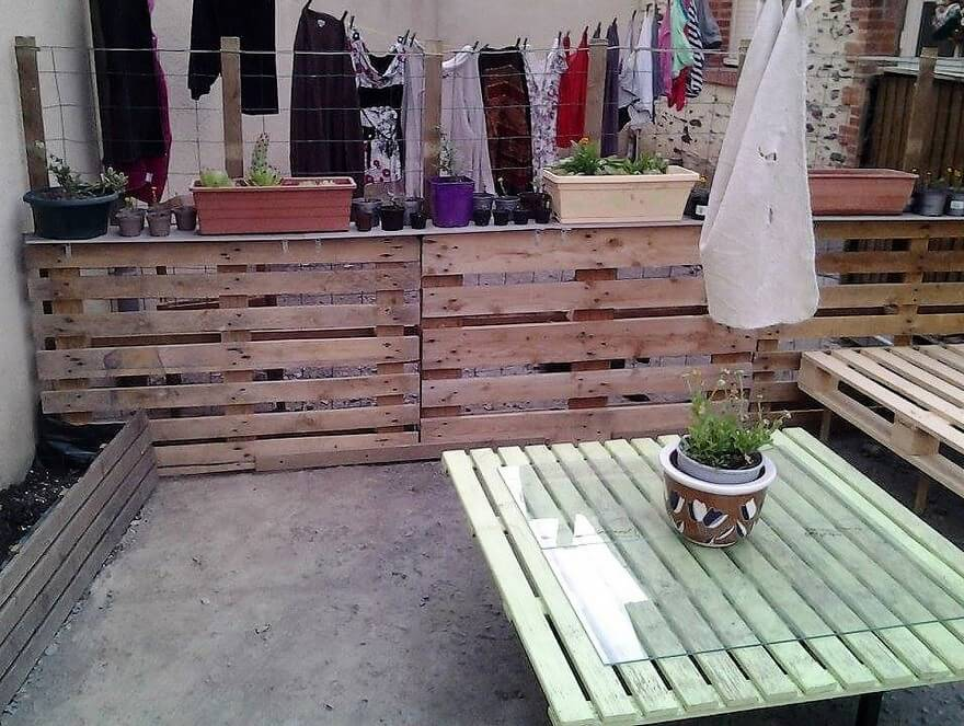 pallet patio lounge idea