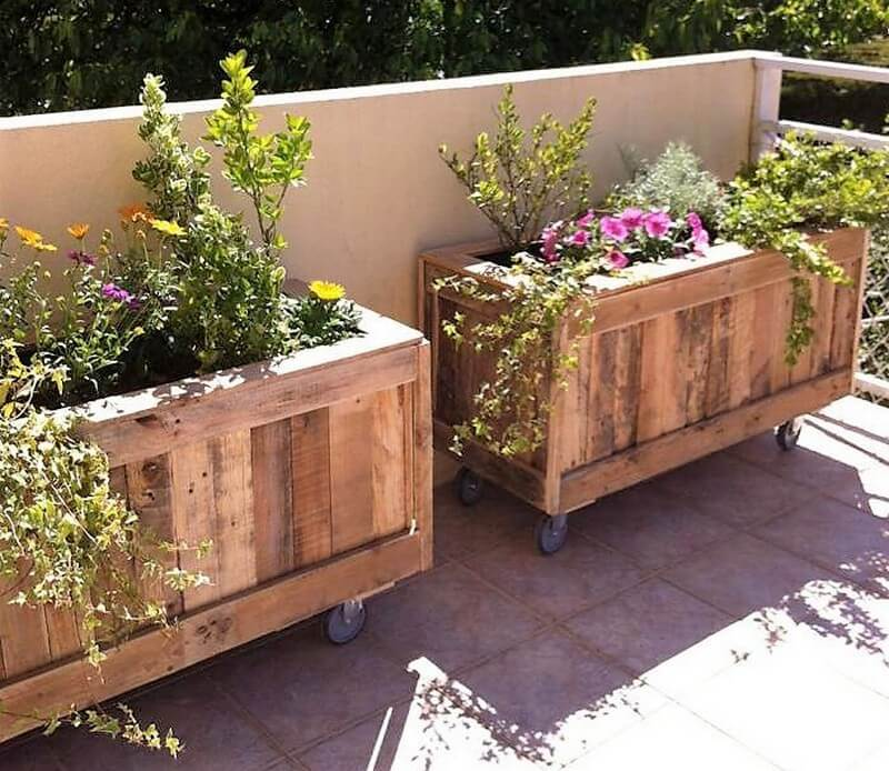 pallet planters on wheels