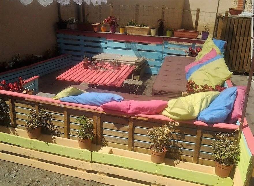 pallets made patio lounge