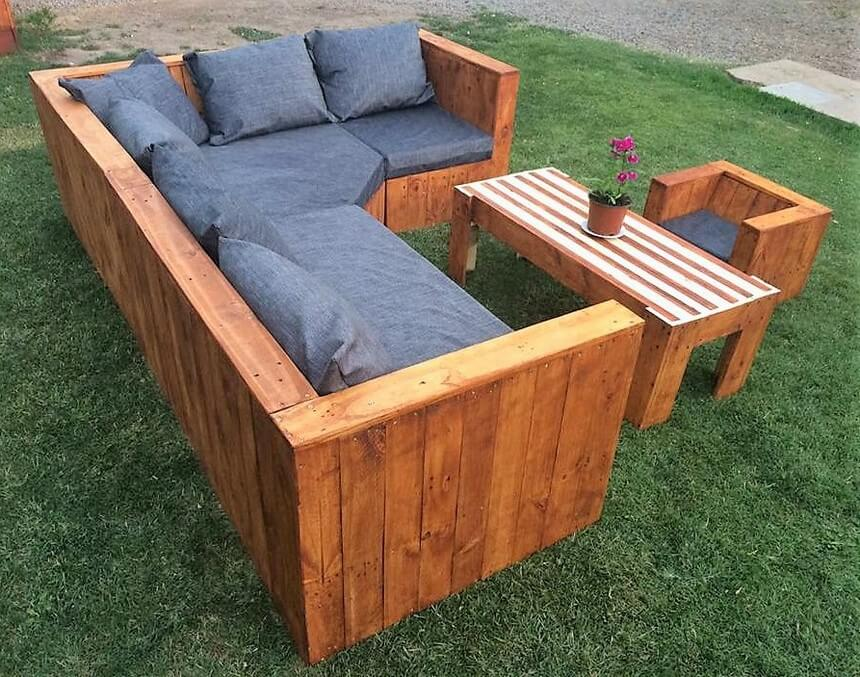 recycled pallets garden sofa