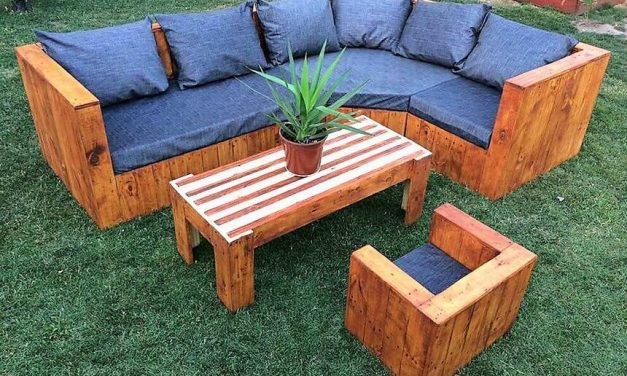 Repurposed Wood Pallet Garden Sofa Plan