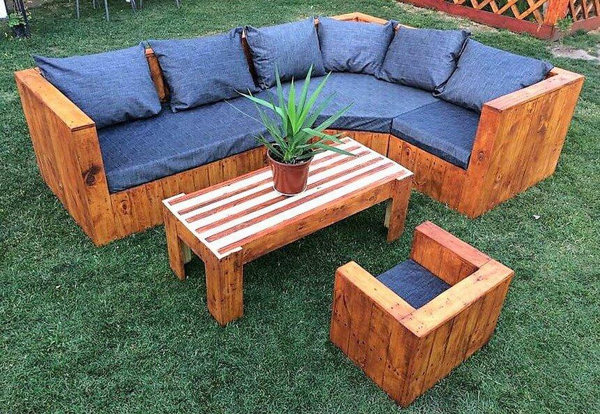 wood pallet garden couch