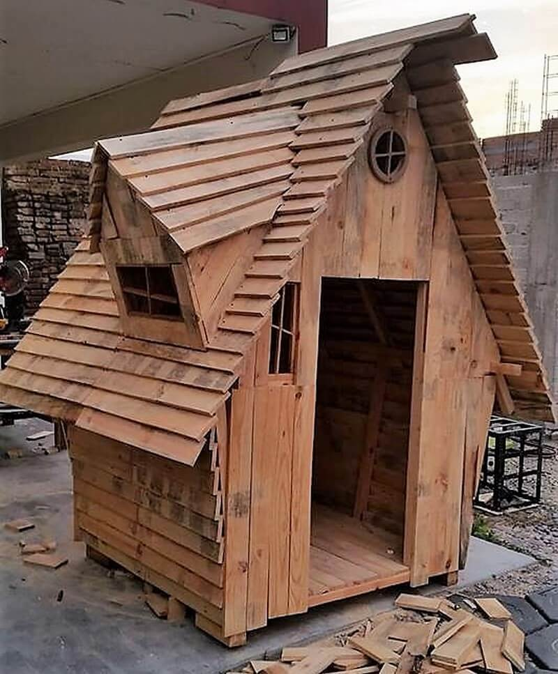 pallets kids playhouse cabin