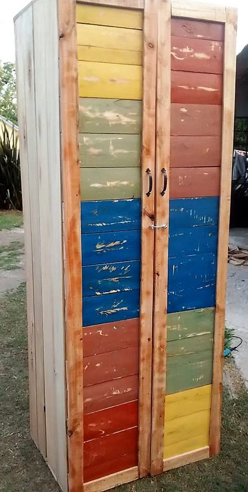 pallets made rustic closet