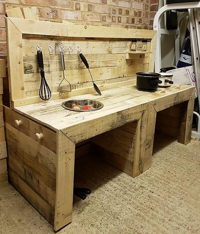 pallets rustic kitchen idea
