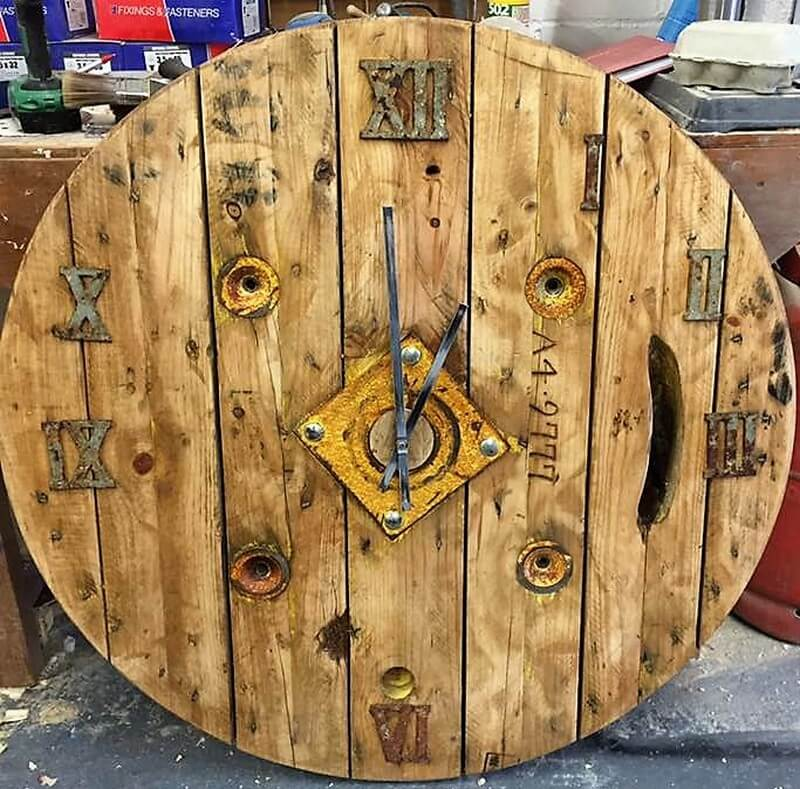 wood pallet rustic clock