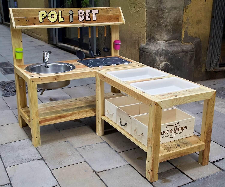 pallet mud kitchen idea