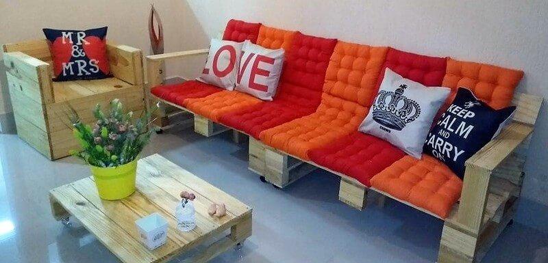 reclaimed wood pallet furniture set