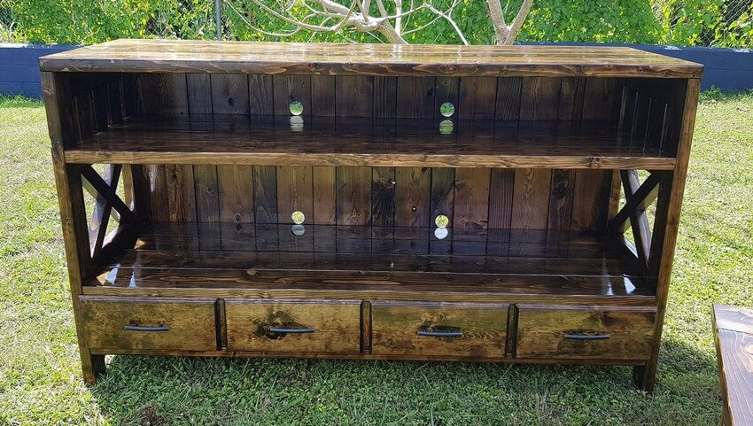 recycled pallet entertainment center