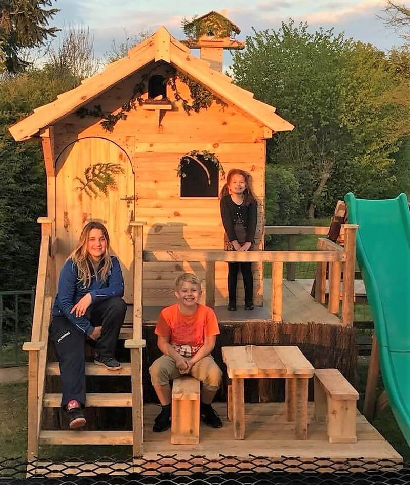 repurposed wooden pallets playhouse