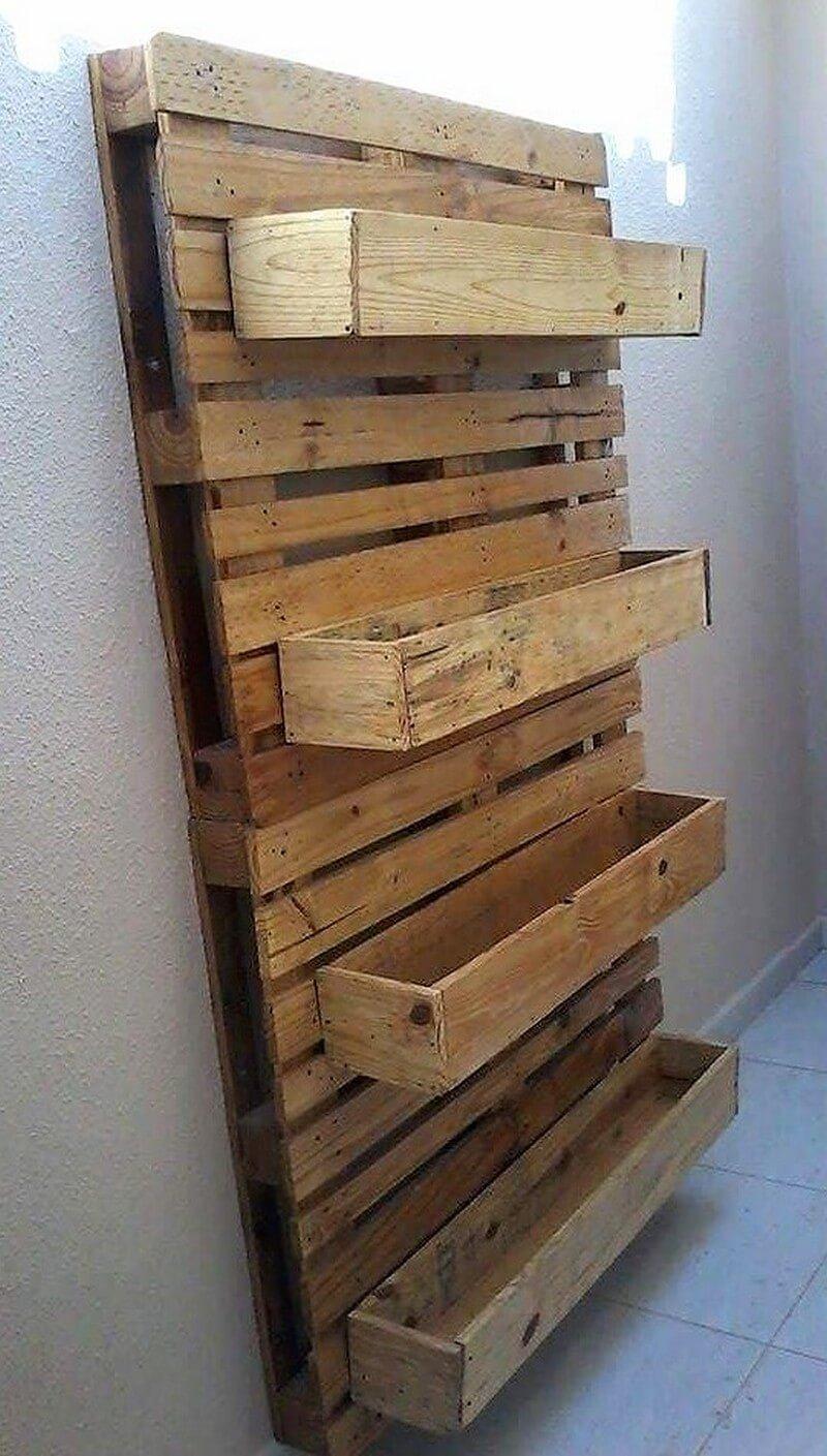 wood pallet pots stand idea