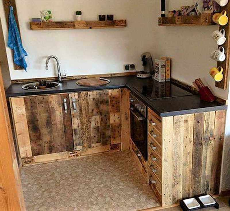 Creative pallet recycling diy ideas and projects wood for Kitchen set bekas